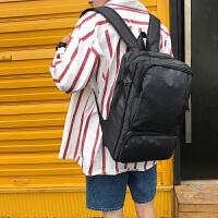 男士双肩包韩版英伦街头潮流书包男时尚休闲旅行背包初高中学生包