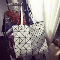 日本镭射包2018新款女包几何菱格手提包单肩包时尚折叠女士包包潮 白色 高端版有拉链