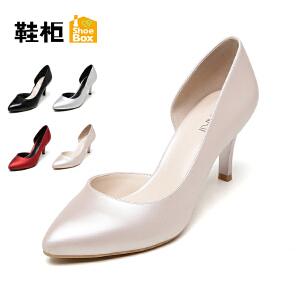 达芙妮集团 鞋柜秋尖头性感侧空高跟时装女单鞋
