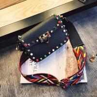 女士包包新款彩色宽带包单肩包女斜挎包松石铆钉小方包百搭潮