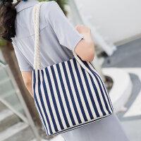 女包包新款单肩手提包轻便帆布包大容量水桶包韩版时尚妈咪百搭包