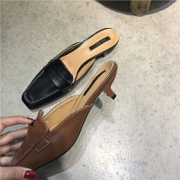201804292326513732018年春夏女鞋欧美时尚手缝线小方头包头拖鞋走秀款中跟时装鞋潮