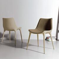 北欧创意设计师椅子现代简约餐厅咖啡椅家用时尚布艺靠背真皮餐椅