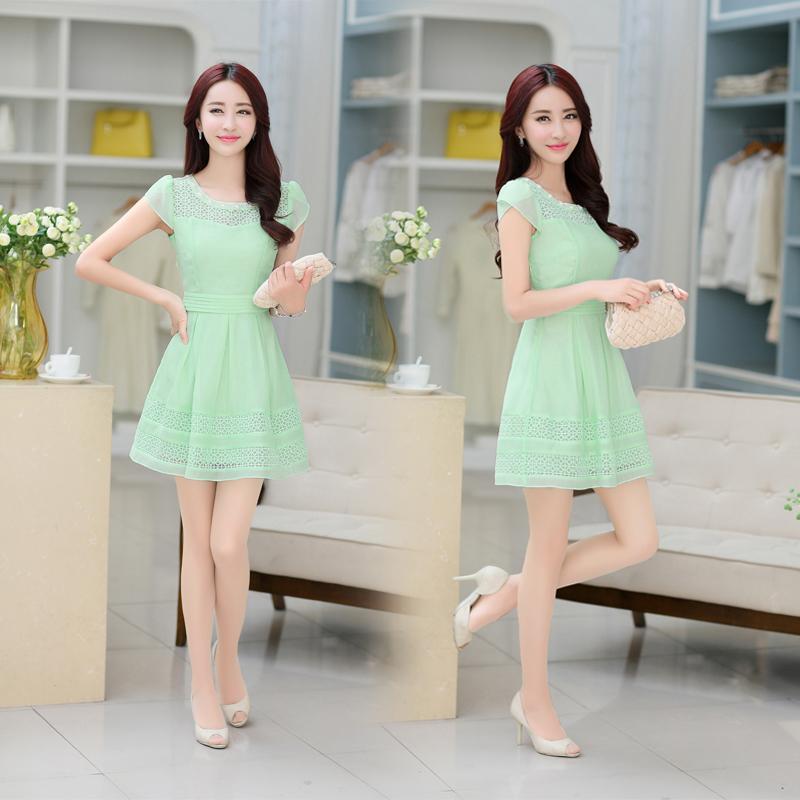 2018夏装新款气质修身小心机蕾丝连衣裙短袖中长款收腰显瘦仙女裙