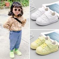 女宝宝板鞋1-2一岁春秋季婴幼儿学步鞋防滑软底男小童贝壳头鞋子3