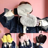 韩国冬季拼接防寒毛绒加绒全指加厚保暖学生男女情侣字母挂脖手套