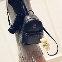 新款韩版简约时尚铆钉双肩包女休闲pu学院风书包街头潮流背包