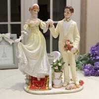 牵手情侣礼物创意客厅工艺家居装饰品摆件婚房送闺蜜礼品送好友 走阶梯款
