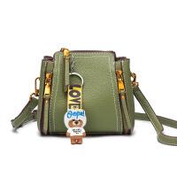 chic斜挎包女小包包2018新款韩版百搭单肩包时尚女包手提包水桶包SN2999 绿色 送小熊挂饰