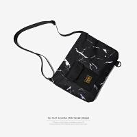 潮牌斜挎包男士胸包小背包休闲迷彩单肩包手机证件潮流学生帆布包 黑色