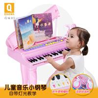 俏娃儿童电子琴玩具带麦克风女孩宝宝小钢琴1-3-6-8岁a301 粉色-亮灯跟弹豪华版 送电源+话筒+乐谱+卡通琴键