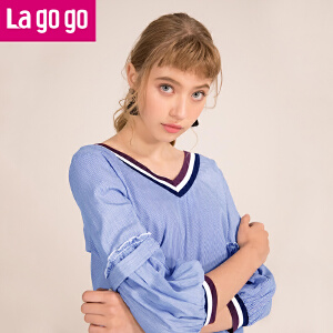 Lagogo2018夏季新款小清新百搭纯棉九分袖 蓝白色套头V领上衣女HASS423Y11