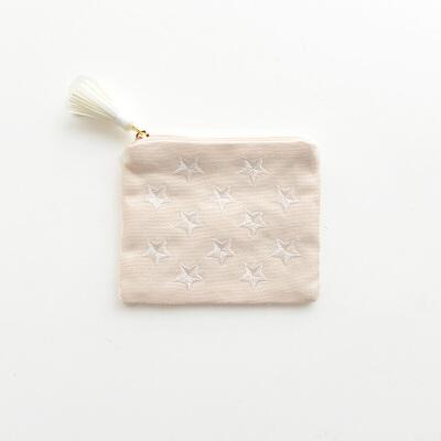 金色星星刺绣纸巾包 小号姨妈巾包卫生巾包护垫收纳 一般在付款后3-90天左右发货,具体发货时间请以与客服协商的时间为准