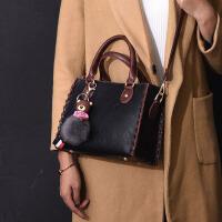 包包冬季新款欧美时尚百搭手提女包复古女士大容量单肩斜挎包 黑色 挂件颜色随机