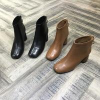 欧洲风格站2017秋冬新女鞋胎牛皮焦糖色圆头粗跟中筒加绒棉马丁靴