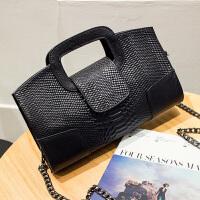 女手包2018新款蛇纹真皮手拿包女欧美时尚女手提包链条小包斜挎包SN3951