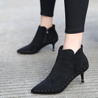 黑色女士高跟鞋2018秋冬款加绒尖头短靴铆钉气质�靴百搭靴子5CMSN9386