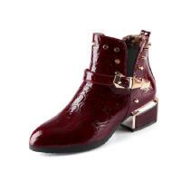 秋冬新款马丁靴女靴漆皮尖头中跟粗跟女短靴40铆钉41大码42女鞋43