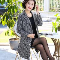 妈妈装秋装外套新款中年妇女长款大衣中老年女装时髦翻领风衣