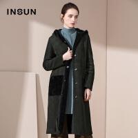 INSUN/恩裳时尚简约保暖加厚羊皮毛一体中长款连帽皮草大衣外套女