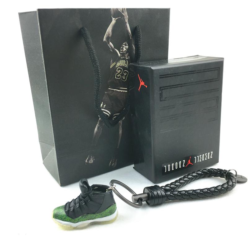AJ11手工立体钥匙扣乔11代球鞋模型汽车钥匙扣挂件创意生日礼物 黑绿 青蛇