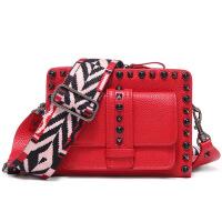 新款女包铆钉迷你小包手机包宽肩带单肩斜挎小包包时尚百搭中性包少女休闲小方包 红色