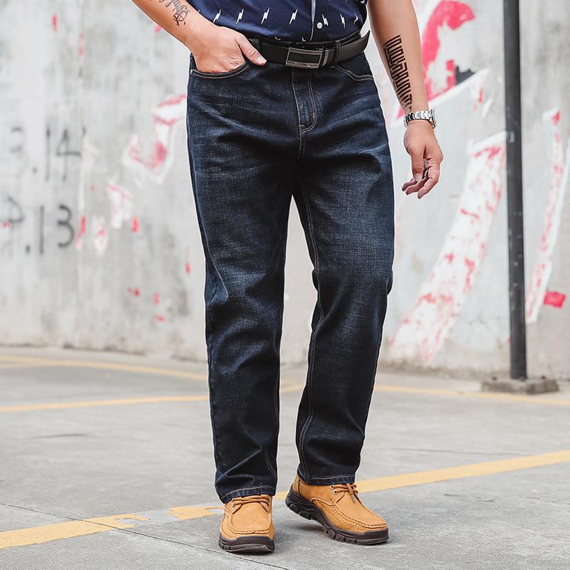 胖人肥佬休闲男装牛仔裤商务休闲加肥加大码宽松直筒男士牛仔长裤 黑色 34 发货周期:一般在付款后2-90天左右发货,具体发货时间请以与客服协商的时间为准