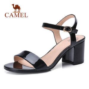 骆驼女鞋2018夏季新款漆皮学生凉鞋露趾粗跟中跟气质优雅休闲鞋子