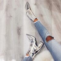 亮皮粗跟短靴女高跟2018秋冬新款尖头银色裸靴加绒漆皮拉链马丁靴SN6841 银色 绒里 6.5 厘米 34 标准正码