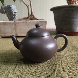 台湾摹古 底槽青梨形壶