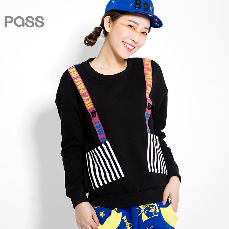 【不退不换】PASS原创潮牌冬装 加厚加绒新款俏皮背带印花学生加绒长袖卫衣女6540521151