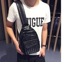 3件7折潮流男士胸包韩版个性铆钉双肩包时尚多功能水洗皮包包单肩斜跨包 黑色