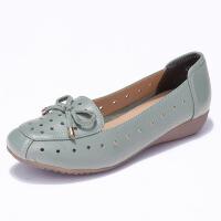 妈妈鞋单鞋平底平跟皮鞋中老年人夏季凉鞋镂空中年女士洞洞鞋