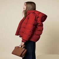防水挡风保暖红色短款连帽羽绒服女 前短后长宽松版型 现货
