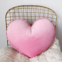 ins北欧心形天鹅绒少女心爱心抱枕汽车腰枕床头沙发靠垫结婚礼物 可拆洗含芯