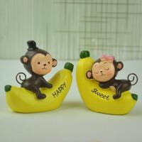 香蕉猴创意汽车小摆件 树脂工艺品 汽车装饰品 卡通动物摆件 爬香蕉猴 8*4*7.5CM