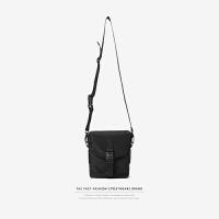 潮牌包包男士斜挎包手机包纯色学生单肩包女情侣潮流时尚小包包 黑色