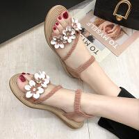 凉鞋 女士网红平跟花朵漏趾沙滩鞋2020夏季新款韩版时尚女式仙女风休闲百搭学生鞋子
