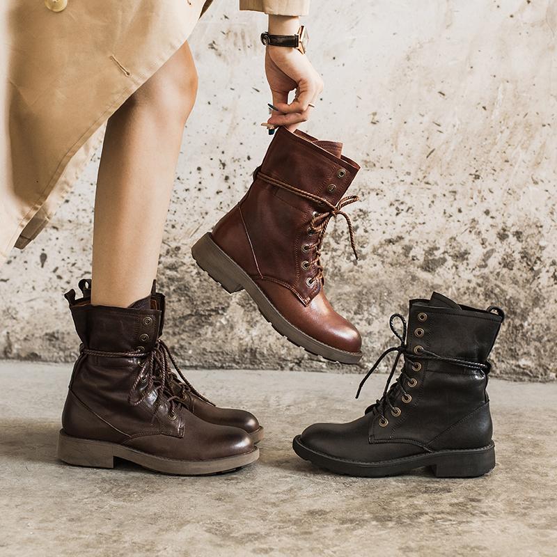 玛菲玛图复古马丁靴女英伦风帅气系带机车鞋中跟圆头真皮中筒靴女2018新款5751-21A确认收货之后晒图有红包,详情咨询客服哦。