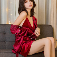 睡衣女秋冬金丝绒吊带睡袍女两件套韩版家居服性感浴袍长袖可外穿