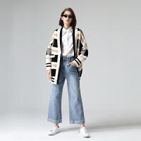 初语冬季新款时尚宽松几何格纹外穿v领毛衣女针织开衫外套\