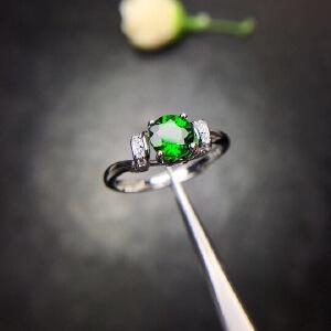 纯天然透辉石戒指,号称俄罗斯祖母绿
