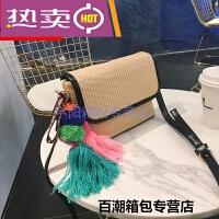 香港潮牌单肩包夏季新款草编波西米亚彩色流苏毛线球编织小包时尚斜挎包包