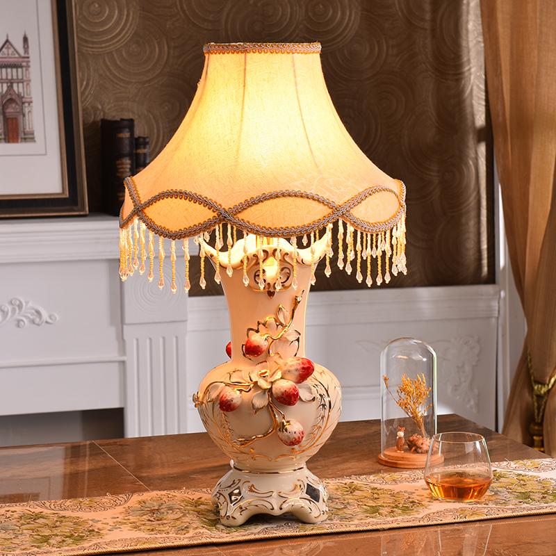 欧式台灯卧室床头灯奢华陶瓷台灯客厅装饰摆件现代创意结婚房礼物 台灯 按钮开关 一般在付款后3-146天左右发货,具体发货时间请以与客服协商的时间为准