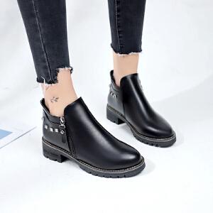 女式 秋冬季新款百搭时尚粗跟铆钉装饰套脚拉链休闲女靴