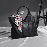 女士包包2018新款简约镶钻手提包欧美时尚女包软皮大包单肩斜挎包 黑色 送丝巾+皮手拿包