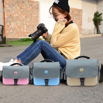 佳能相机包单反便携可爱摄影包200d700d750d760d800d77D80D1300D 发货周期:一般在付款后2-90天左右发货,具体发货时间请以与客服协商的时间为准