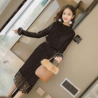 金丝绒连衣裙秋冬季2018新款打底蕾丝中长加厚配大衣的长裙子女装