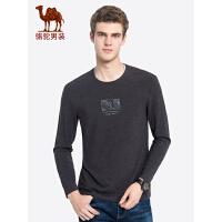 骆驼男装 秋季新款印花长袖t恤青年男士纯色圆领打底衫上衣服