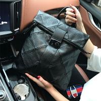 水洗皮双肩包防盗女包街头时尚软皮背包锁扣包包潮流休闲书包 黑色